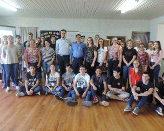 Secretaria de Assistência Social e SENAC-RS oferecem oficinas para jovens que buscam primeiro emprego
