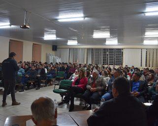 Fórum de Debates foi marcado por grande público presente