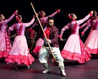 Caripaiguarás apresenta espetáculo de danças neste domingo