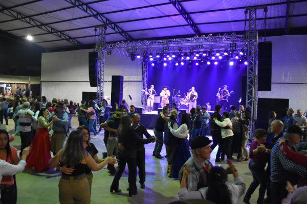 Presença de Grande público marcou as primeiras noites no Acampamento Farroupilha
