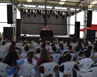 Teatro de Bonecos foi apresentado para estudantes no Acampamento Farroupilha