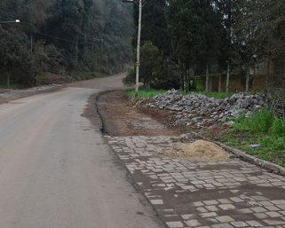 Acostamento da Avenida Miguel Soccol no Bairro Aparecida está em fase de conclusão