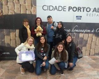 Estudantes da Escola Leonora Belenzier estão em São Paulo apresentando o projeto Robô Amigo