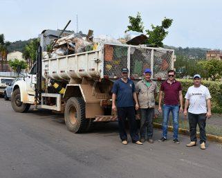 Lixo seco está sendo recolhido no interior do município