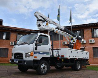 Novo caminhão para realização de serviços elétricos