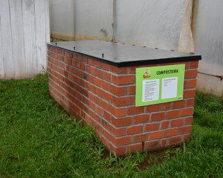 Projeto Composteiras nas Escolas visa reduzir a quantidade de lixo e a reeducação ambiental