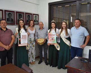 Comitiva da 5ª Festa do Pêssego visitou Serafina Corrêa