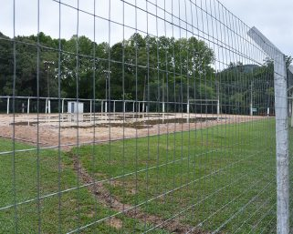 Quadra de Futebol de Areia do Camping Carreiro recebeu melhorias