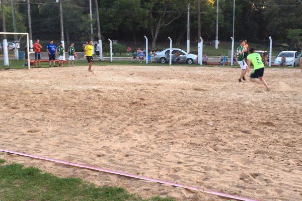 Seguem os jogos do Campeonato Municipal de Futebol de Areia