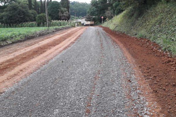 Melhorias nas estradas do interior estão sendo realizadas