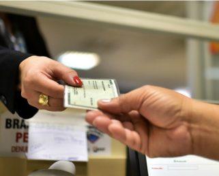 Permanece suspenso por prazo indeterminado os serviços para EMISSÃO de CARTEIRA DE IDENTIDADE no POSTO DE IDENTIFICAÇÃO de SERAFINA CORRÊA
