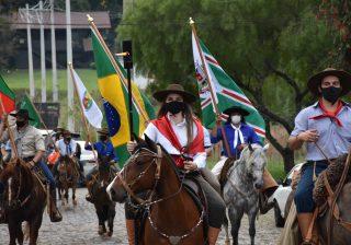 Emoção e homenagens foram as marcas dos Festejos Farroupilhas em Serafina Corrêa