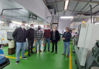 Prefeito Valdir e Vice-Prefeito Eduardo visitam a empresa JMF Conexões