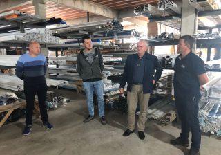 Prefeito Valdir visita a empresa Suprema – Vidros e Alumínios