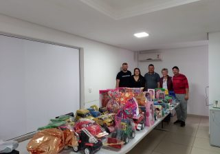 Equipes participantes do Campeonato Municipal de Futsal 2021 trocam taxa de inscrição pela doação de brinquedos