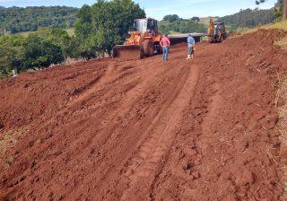 Secretaria de Agricultura segue auxiliando produtores rurais
