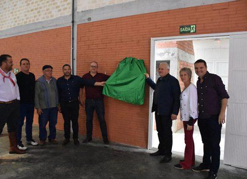 Obra de ampliação e melhorias no Ginásio do Bairro Santin é entregue à comunidade